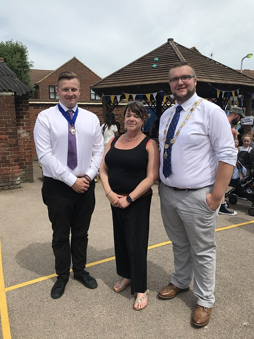 Deputy Mayor and Consort at the summer fair
